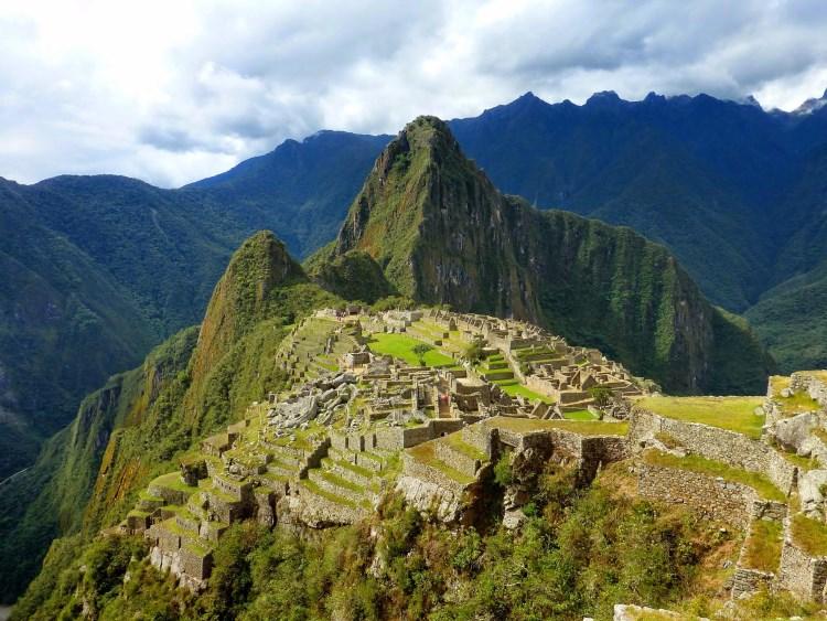 Θέα στον αρχαιολογικό χώρο του Μάτσου Πίτσου στο Περού